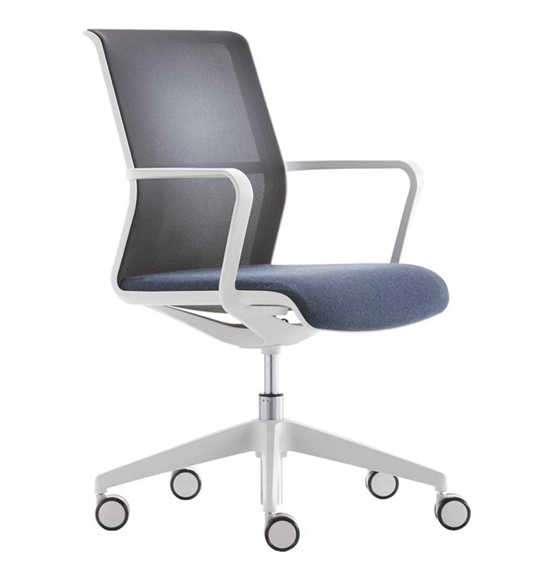 Senator Circo Mesh Back Chair with Castors