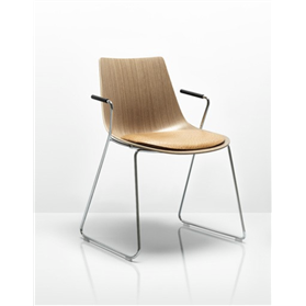 Allermuir Curve Chair designed by PearsonLloyd