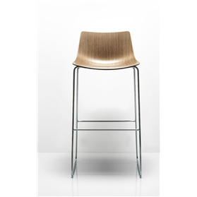 Allermuir Curve bar stool designed by PearsonLloyd