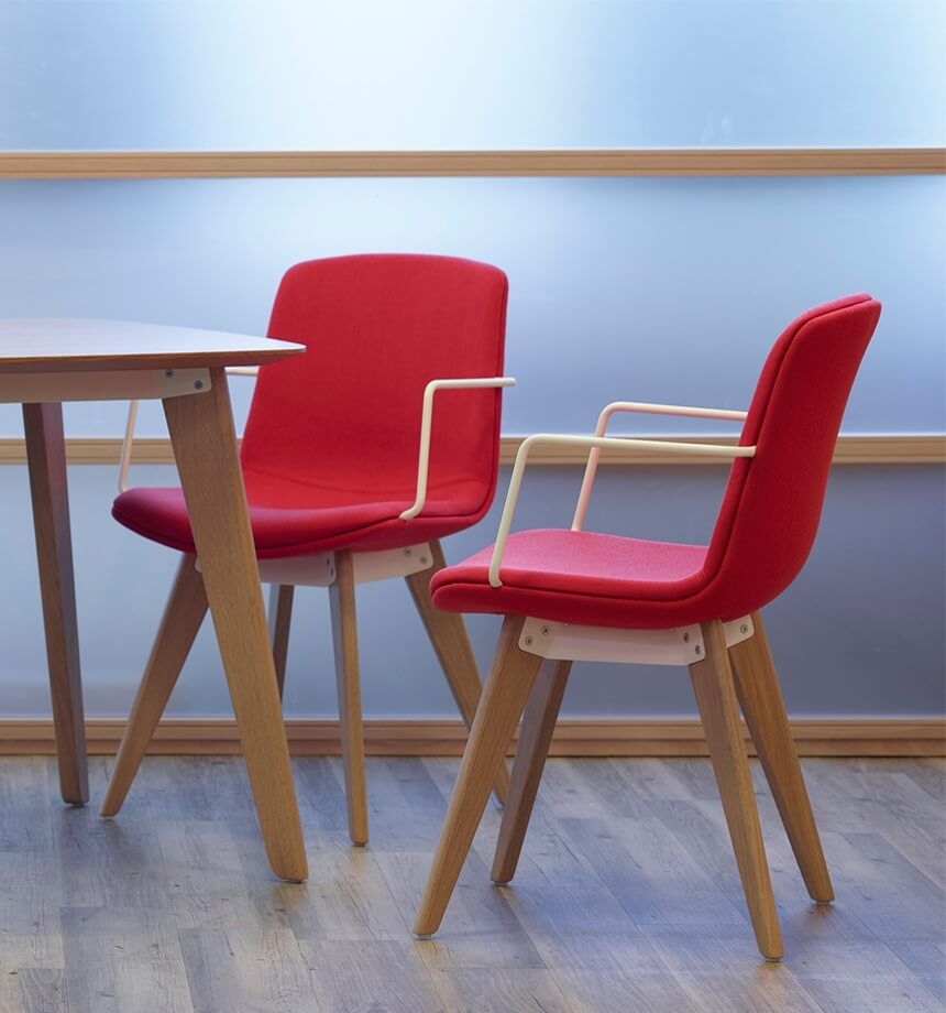 Red conference room chairs - Meeting And Conference Chairs